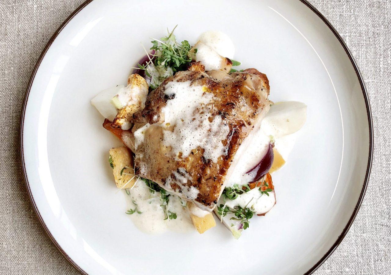 Dagens lunch med kyckling på Lykke & Löjromsbaren - Nordic Light Hotel